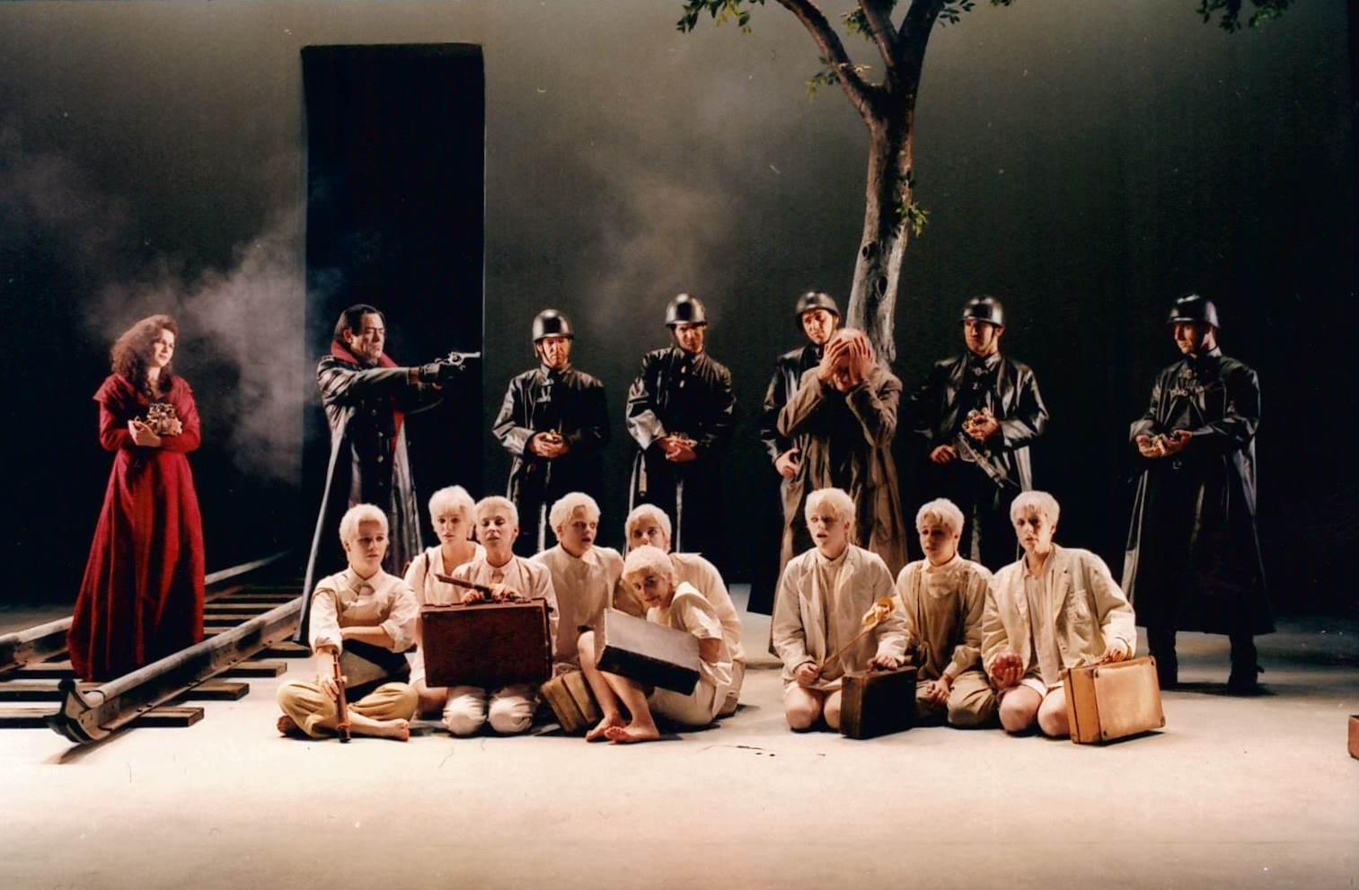 צילום: פסי גירש, באדיבות ארכיון תיאטרון הבימה